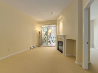 "Photo 3: 409 5605 HAMPTON Place in Vancouver: University VW Condo for sale in ""PEMBERLEY"" (Vancouver West)  : MLS®# R2328594"