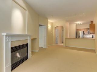 "Photo 4: 409 5605 HAMPTON Place in Vancouver: University VW Condo for sale in ""PEMBERLEY"" (Vancouver West)  : MLS®# R2328594"