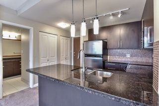 "Photo 4: 2007 888 CARNARVON Street in New Westminster: Downtown NW Condo for sale in ""Marinus at Plaza 88"" : MLS®# R2333675"