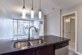 "Photo 5: 2007 888 CARNARVON Street in New Westminster: Downtown NW Condo for sale in ""Marinus at Plaza 88"" : MLS®# R2333675"