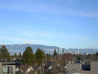 "Photo 16: 205 3440 W BROADWAY in Vancouver: Kitsilano Condo for sale in ""THE VICINIA"" (Vancouver West)  : MLS®# R2335531"