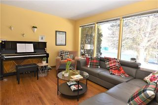 Photo 3: 2627 LIONEL Crescent SW in Calgary: Lakeview Detached for sale : MLS®# C4229156