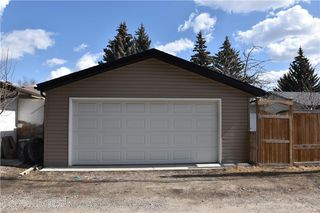 Photo 21: 2627 LIONEL Crescent SW in Calgary: Lakeview Detached for sale : MLS®# C4229156