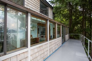 Photo 12: 380 TIMBERTOP Drive: Lions Bay House for sale (West Vancouver)  : MLS®# R2357408