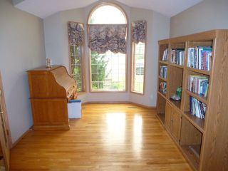 Photo 4: 15715 77 Street in Edmonton: Zone 28 House for sale : MLS®# E4152361