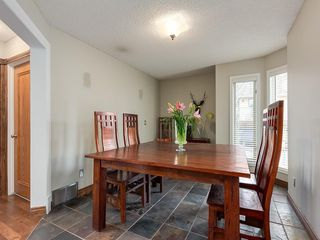 Photo 8: 67 Sierra Morena Circle SW in Calgary: Signal Hill Detached for sale : MLS®# C4239157