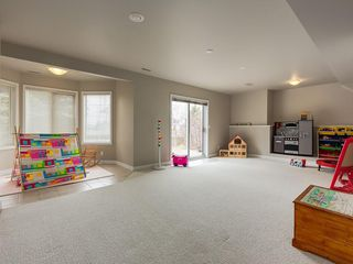 Photo 25: 67 Sierra Morena Circle SW in Calgary: Signal Hill Detached for sale : MLS®# C4239157