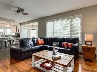 Photo 14: 67 Sierra Morena Circle SW in Calgary: Signal Hill Detached for sale : MLS®# C4239157