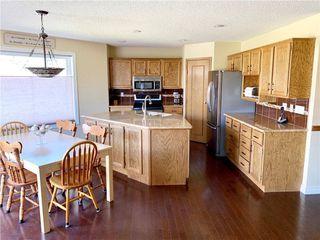 Photo 9: 525 DOUGLAS WOODS Place SE in Calgary: Douglasdale/Glen Detached for sale : MLS®# C4247773