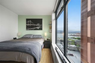 "Photo 2: 2105 128 W CORDOVA Street in Vancouver: Downtown VW Condo for sale in ""WOODWARDS"" (Vancouver West)  : MLS®# R2374821"