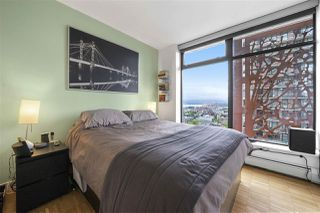 "Photo 4: 2105 128 W CORDOVA Street in Vancouver: Downtown VW Condo for sale in ""WOODWARDS"" (Vancouver West)  : MLS®# R2374821"