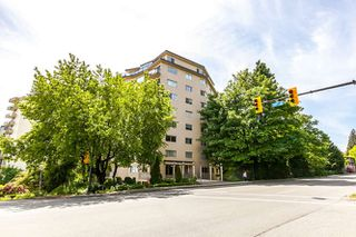 "Photo 12: 503 1930 MARINE Drive in West Vancouver: Ambleside Condo for sale in ""Park Marine"" : MLS®# R2375398"