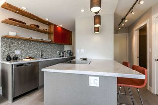 """Photo 2: 503 1930 MARINE Drive in West Vancouver: Ambleside Condo for sale in """"Park Marine"""" : MLS®# R2375398"""