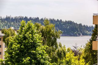 """Photo 9: 503 1930 MARINE Drive in West Vancouver: Ambleside Condo for sale in """"Park Marine"""" : MLS®# R2375398"""