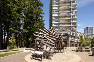 "Photo 2: 1306 15152 RUSSELL Avenue: White Rock Condo for sale in ""Miramar Village"" (South Surrey White Rock)  : MLS®# R2377952"
