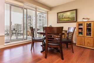 "Photo 5: 1306 15152 RUSSELL Avenue: White Rock Condo for sale in ""Miramar Village"" (South Surrey White Rock)  : MLS®# R2377952"