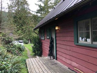 "Photo 2: 1291 OCEANVIEW Road: Bowen Island House for sale in ""Millers Landing"" : MLS®# R2411988"