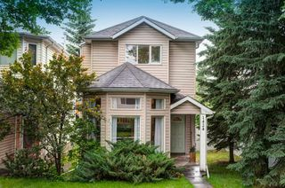Main Photo: 1424 43 Street SW in Calgary: Rosscarrock Detached for sale : MLS®# A1009613