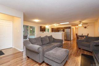 Photo 5: 2670 Selwyn Rd in Langford: La Atkins Half Duplex for sale : MLS®# 842244