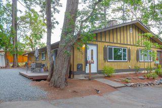 Photo 3: 2670 Selwyn Rd in Langford: La Atkins Half Duplex for sale : MLS®# 842244