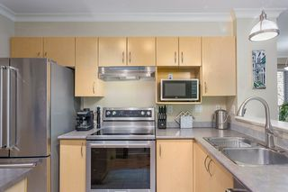 "Photo 11: 210 147 E 1ST Street in North Vancouver: Lower Lonsdale Condo for sale in ""The Coronado"" : MLS®# R2496592"
