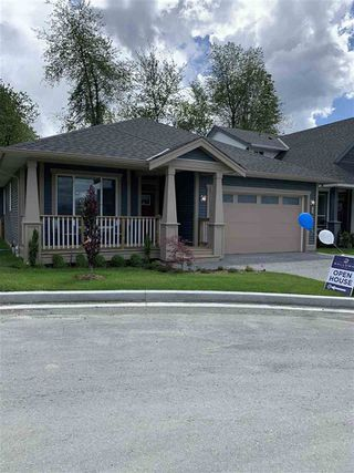 """Photo 1: 36 6211 CHILLIWACK RIVER Road in Chilliwack: Chilliwack River Valley House for sale in """"MALLOWAY VILLAGE"""" (Sardis)  : MLS®# R2526098"""