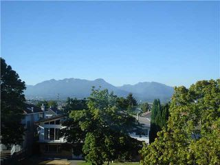 Photo 2: 2992 E 2ND Avenue in Vancouver: Renfrew VE House for sale (Vancouver East)  : MLS®# V874739
