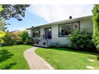 Photo 1: 713 E KEITH Road in North Vancouver: Queensbury House for sale : MLS®# V958995