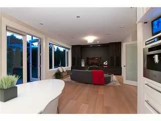 Photo 3: 2893 AURORA RD in North Vancouver: Capilano Highlands House for sale : MLS®# V971457