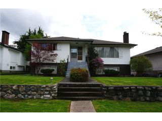 "Photo 2: 4756 WESTLAWN Drive in Burnaby: Brentwood Park House for sale in ""Brentwood Park"" (Burnaby North)  : MLS®# V1059724"