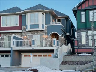 Main Photo: 60 6A Street NE in Calgary: Bridgeland Residential Attached for sale : MLS®# C3646504