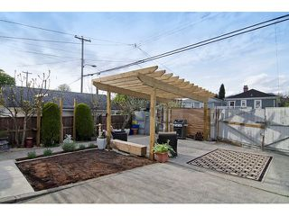 "Photo 18: 2651 TRIUMPH Street in Vancouver: Hastings East House for sale in ""HASTINGS SUNRISE"" (Vancouver East)  : MLS®# V1118786"