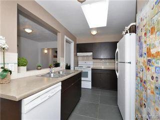 Photo 7: 1111 Caledonia Ave in VICTORIA: Vi Central Park Half Duplex for sale (Victoria)  : MLS®# 708700