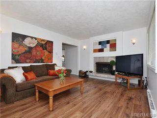 Photo 2: 1111 Caledonia Ave in VICTORIA: Vi Central Park Half Duplex for sale (Victoria)  : MLS®# 708700