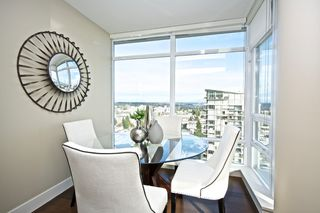 "Photo 1: 1401 1473 JOHNSTON Road: White Rock Condo for sale in ""MIRAMAR TOWER B"" (South Surrey White Rock)  : MLS®# R2031179"