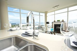 "Photo 5: 1401 1473 JOHNSTON Road: White Rock Condo for sale in ""MIRAMAR TOWER B"" (South Surrey White Rock)  : MLS®# R2031179"
