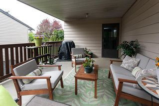 Photo 4: 6321 173A Street in Surrey: Cloverdale BC House for sale (Cloverdale)  : MLS®# R2054959