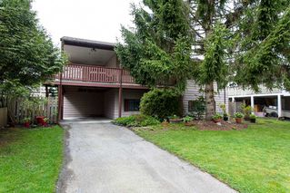 Photo 1: 6321 173A Street in Surrey: Cloverdale BC House for sale (Cloverdale)  : MLS®# R2054959