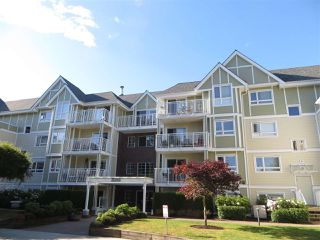 Photo 2: 307 20189 54TH Avenue in Langley: Langley City Condo for sale : MLS®# R2081533