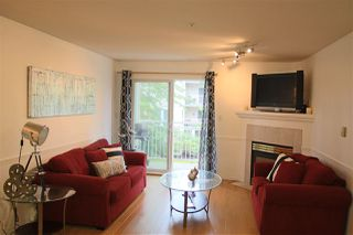 Photo 1: 307 20189 54TH Avenue in Langley: Langley City Condo for sale : MLS®# R2081533