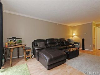 Photo 3: 6 540 Goldstream Avenue in VICTORIA: La Fairway Townhouse for sale (Langford)  : MLS®# 369786