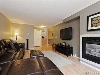 Photo 2: 6 540 Goldstream Avenue in VICTORIA: La Fairway Townhouse for sale (Langford)  : MLS®# 369786