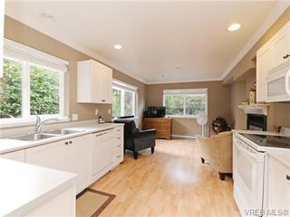 Photo 7: 6 540 Goldstream Avenue in VICTORIA: La Fairway Townhouse for sale (Langford)  : MLS®# 369786