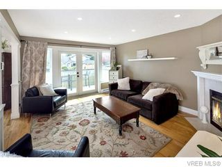 Photo 11: 2494 Wilcox Terrace in VICTORIA: CS Tanner Single Family Detached for sale (Central Saanich)  : MLS®# 371709