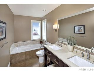 Photo 15: 2494 Wilcox Terr in VICTORIA: CS Tanner House for sale (Central Saanich)  : MLS®# 745667