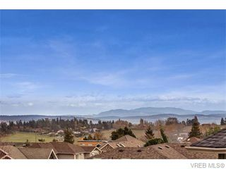 Photo 5: 2494 Wilcox Terrace in VICTORIA: CS Tanner Single Family Detached for sale (Central Saanich)  : MLS®# 371709