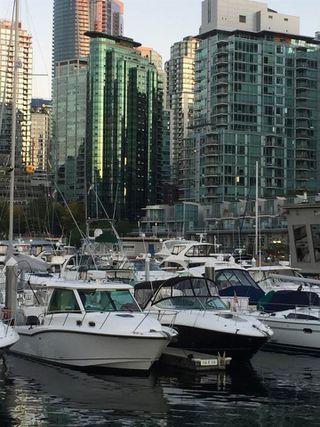 "Photo 3: 1805 555 JERVIS Street in Vancouver: Coal Harbour Condo for sale in ""Harbourside Park II"" (Vancouver West)  : MLS®# R2129069"