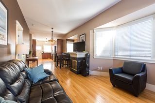 Photo 2: 820 EDINBURGH Street in New Westminster: Moody Park House for sale : MLS®# R2129968