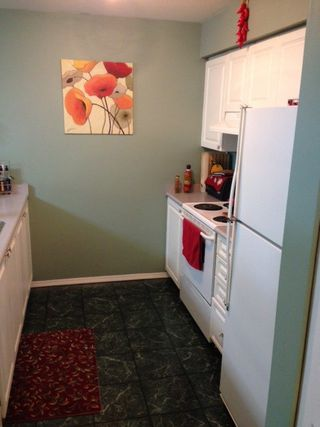 """Photo 7: 305 12739 72 Avenue in Surrey: West Newton Condo for sale in """"SAVOY II"""" : MLS®# R2148342"""