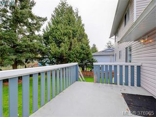 Photo 19: 646 Cairndale Rd in VICTORIA: Co Triangle House for sale (Colwood)  : MLS®# 756827